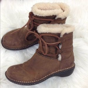 Ugg Women's Caspa Shearling Leather Boots Brown 6